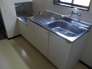 千葉県館山市沼 築浅物件らしいきれいなキッチン